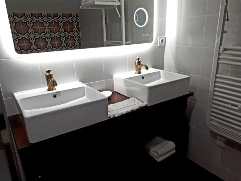 salle-de-bain-romantique-domaine-de-garat