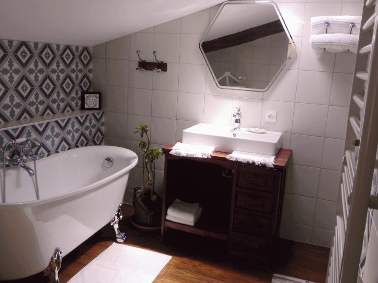 salle-de-bain-chambre-La bordelaise-Domaine de Garat