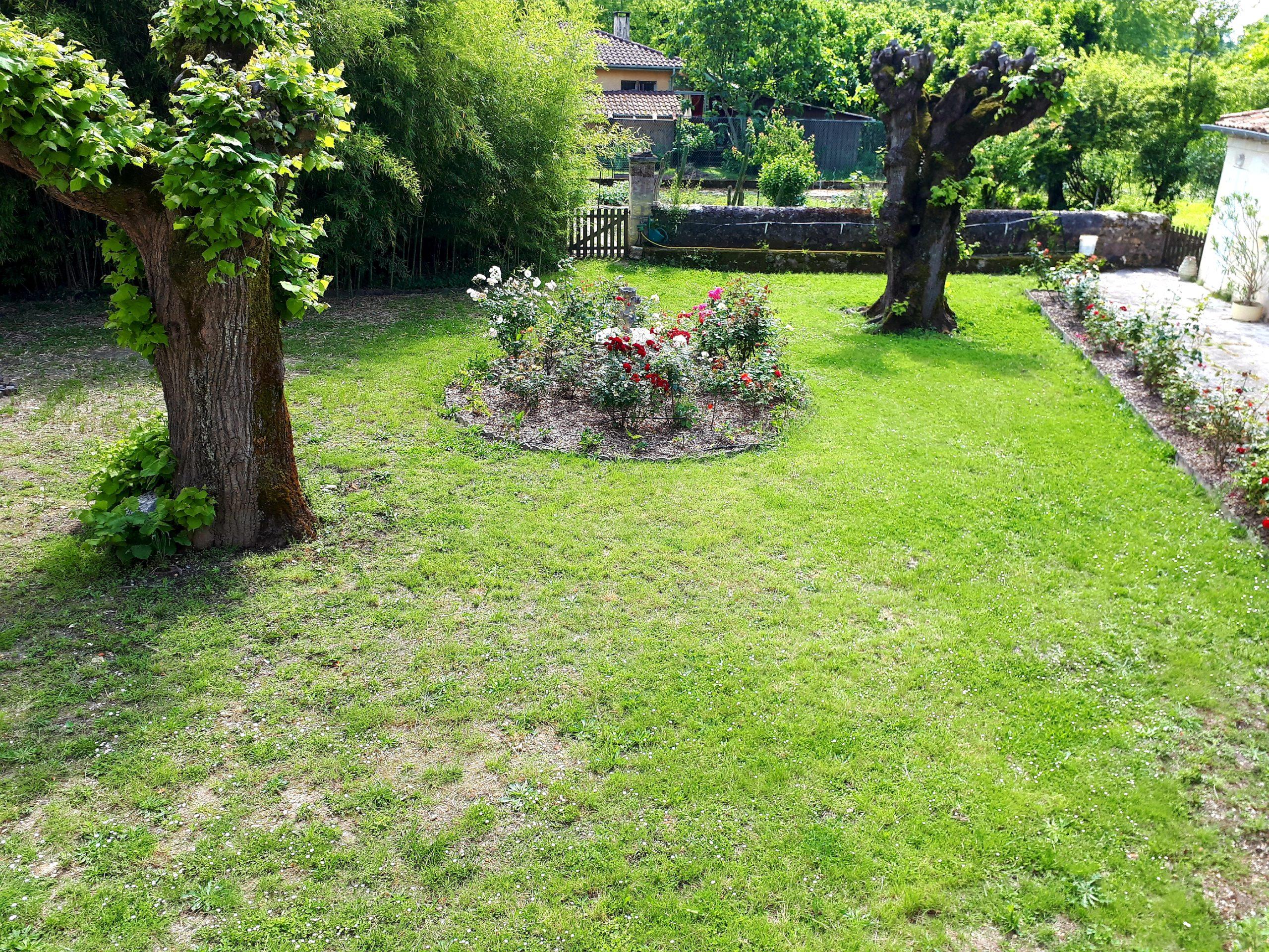 vue sur jardin-chambre Bordelaise- Domaine de Garat